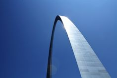 Low-angle Photography of Gateway Arch in St. Louis  Free Stock Photo