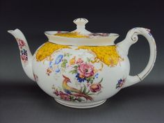 Rare and Elegant Paragon Teapot with Bird and Flower Decoration - 2 Pints