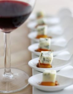 Antipasto finger food di pere e gorgonzola
