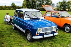 #Renault #4 à l'expo-bourse d'Ossey les 3 Maisons Reportage complet : http://newsdanciennes.com/2015/09/06/retour-a-lexpo-bourse-dossey-les-trois-maisons/ #Vintage #Classic_cars #Voitures #Anciennes
