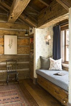 Admirable Rustic Window Nook Ideas - Page 23 of 39 - Dorothy Decor Cabin Homes, Log Homes, Interior Exterior, Interior Design, Sweet Home, Rustic Home Design, Log Home Designs, Sr1, Banquettes