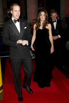 Prince Harry Photos Photos - Prince William, Duke of Cambridge and Catherine, Duchess of Cambridge arrive at the Imperial War Museum for The Sun Military Awards. - William and Catherine at the Sun's Military Awards