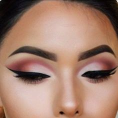 Eye makeup with black liquid eyeliner, Tea Rose & Mulberry Eyeshadow!  Rock the liner....with a perfect line every time. No smudging!! #makeuplooks