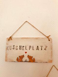 Holzschild Kuschelplatz Lieblingsplatz Lounge shabby chic Holzschild Welcome shabby chic Willkommen Schild Haustür Deko Vintage Shabby Chic, Shabby Vintage, Lounge, Etsy, Wood Ideas, Decoration, Home Decor, Deco, Cuddling