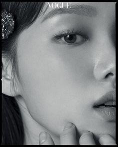 Lee Sung Kyung and Lee Sang Yoon in Vogue Korea July 2018 Kim Go Eun, Cha Eun Woo, Korean Actresses, Korean Actors, Lee Sung Kyung Photoshoot, Lee Sung Kyung Doctors, Chae Soobin, Blue Lee, Lee Sang Yoon