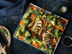 Everything from a tin - teriyaki chicken with vegetables - - My Favorite Food, Favorite Recipes, Vegan Junk Food, Love Eat, Paleo Dinner, Convenience Food, Food Videos, Food Inspiration, Vegan Recipes