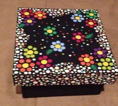 209 best images about cajas decoradas Dot Art Painting, Mandala Painting, Mandala Art, Stone Painting, Painting On Wood, Painted Wooden Boxes, Hand Painted, Arte Country, Pintura Country