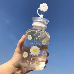 Cute Water Bottles, Drink Bottles, Perfume Bottles, Aesthetic Food, Pink Aesthetic, Japanese Snacks, Cute Cups, Water Bottle Design, Cute Kitchen