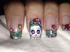 Catrina's nails make up.