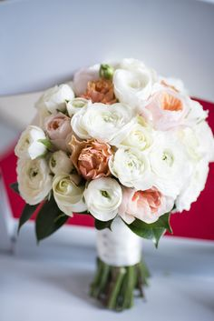 Love the peach tones in these flowers