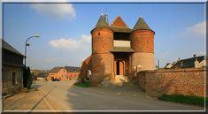 Archon - Aisne - En voyant les deux puissantes tours rondes protégeant l'entrée de l'église, je me suis cru devant un château fort du moyen âge.