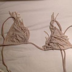 Acacia montauk top Vintage acacia! Well loved but still trendy and adorable acacia swimwear Swim Bikinis