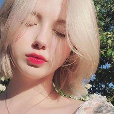 girl short hair on Uzzlang Girl, Girl Face, Long Lasting Lip Stain, European Girls, Girl Short Hair, L'oréal Paris, Tumblr Girls, Aesthetic Girl, Korean Beauty