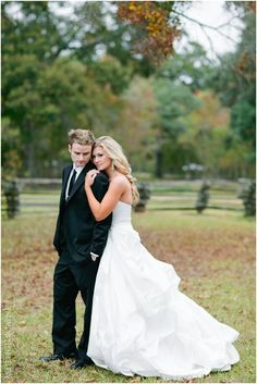 love this pose for grooms and brides...