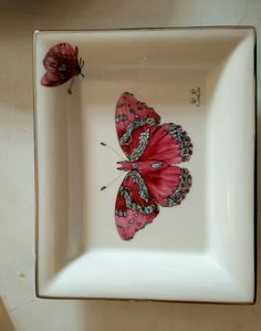 Art Inspiration Drawing, Vase, China Painting, China Dinnerware, Animal Paintings, Ladybug, Butterflies, Decoupage, Alcohol
