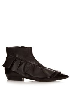 J.W.ANDERSON Ruffled Leather Ankle Boots. #j.w.anderson #shoes #boots