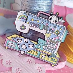 Polly Pocket, Kawaii Jewelry, Cute Jewelry, Electronic Diary, 90s Design, Candy Pop, Pin And Patches, Retro Toys, Cute Packaging