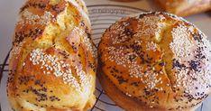 Kitchen Stories: No Knead Greek Easter Brioche-Tsoureki Greek Desserts, Greek Recipes, Tsoureki Recipe, Easter Bun, Oven Pan, Greek Easter, Kitchen Stories, Easter Table, Bagel
