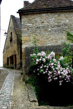 | ♕ | Rue de Beynac - Dordogne, France | by © PierreG_09