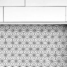 Stunning Star Pattern Tiles Shower Niche Design Idea Inspiration