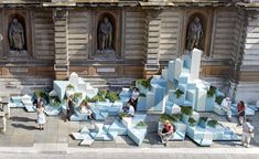 High climbers: So? Architecture's winning installation on show at the Royal Academy High climbers: So? Architecture's winning installation on show at the Royal Academy Landscape And Urbanism, Urban Landscape, Landscape Design, Urban Furniture, Street Furniture, Design D'espace Public, Street Installation, Urban Intervention, Instalation Art
