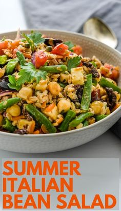 Healthy summer farro salad is an easy whole grain meal. Loaded with veg this Italian bean salad has a tangy dressing. Italian farro salad is the best. Green Bean Salads, Green Beans And Tomatoes, Healthy Snacks, Healthy Recipes, Farro Recipes, Easy Summer Salads, Summer Recipes, Italian Beans, Grain Salad