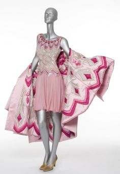 Valentino, collection Haute Couture Automne/Hiver 1990-1991  Archives Valentino  © Les Arts Décoratifs / Jean Tholance
