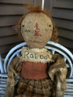 VERY Primitive Folk Art Raggedy Ann Antique Classic by mustardseed Primitive Folk Art, Primitive Crafts, Primitive Christmas, Antique Dolls, Vintage Dolls, Ann Doll, Bear Doll, Raggedy Ann, Dollhouse Dolls
