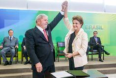 A presidente Dilma Rousseff empossa o ex-presidente Lula como ministro da Casa Civil