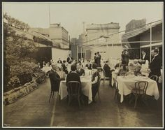 New York City: The Hotel Astor, Broadway & Street. Photo of the Roof Garden of the hotel with hotel employees and models at the tables. (Museum of the City of New York) New York City Manhattan, Most Luxurious Hotels, New York Hotels, Vintage Pictures, Historical Photos, East Coast, Beatrice Wood, Street View, Nyc