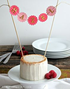 THIS ONE SOUNDS THE BEST The Grain, Dairy & Refined Sugar Free Smash Cake! : The Urban Poser