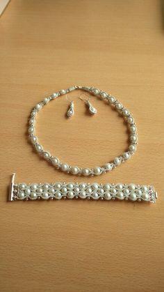 Pearl Jewelry, Wire Jewelry, Jewelry Crafts, Beaded Jewelry, Handmade Jewelry, Celtic Crafts, Copper Cuff, Jewelry Collection, Jewelry Design