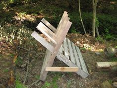 http://homesteadsurvival.blogspot.com/2012/11/wood-pallet-homemade-saw-buck-for.html