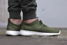 Nike Zenji - Faded Olive ~ dig the color.