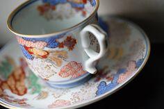 有田焼 賞美堂 其泉窯(きせんがま) 春秋文コーヒー碗皿 Coffee Cups, Tableware, Coffee Mugs, Dinnerware, Tablewares, Coffee Cup, Dishes, Place Settings