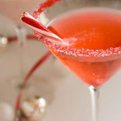 Candy Cane Flavored Cocktail Rimming Sugar - add sparkle and flavor to your Christmas party and wedding drinks! By Dell Cove Spice Co., Chicago, Illinois - http://www.dellcovespices.com