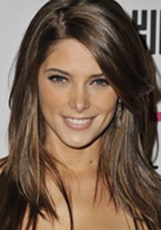 Ashley Greene wears her medium brown hair in a long hairstyle with side-swept bangs. Love her hair color! Medium Brown Hair Color, Brown Hair Colors, Hair Colour, Medium Length Hair With Layers And Side Bangs, Short Layers, Color 2, Hair Day, New Hair, Ashley Greene Hair