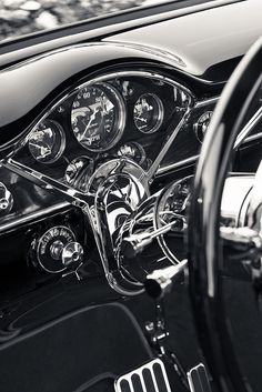 Chevy_Truck dash - omygravy is this not a thing of absolute beauty?!!! WISH they made them like this still...