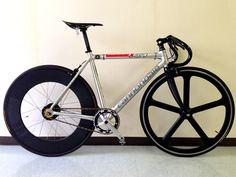 自転車とおっさんと横浜と