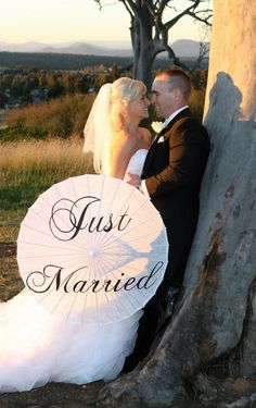 Just Married Parasol Just Married, Romance, Wedding, Casamento, Romantic Things, Weddings, Marriage, Romantic, Mariage