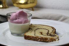 Buttermilchpudding mit beeriger Eischneehaube | Foodina