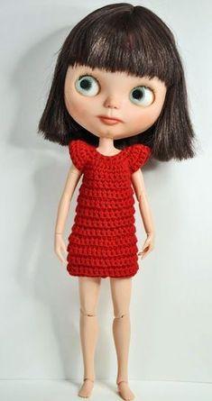 Muma on the Moon: Patrón vestido crochet para Blythe Diy Crochet, Crochet Hats, Knitting Patterns Free, Crochet Patterns, Patron Crochet, Crochet Barbie Clothes, Diy Doll, Amigurumi Doll, Blythe Dolls