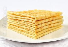 Clatite - I made them without the butter and they still came out very good. Romanian Desserts, Romanian Food, Raw Vegan Dinners, Good Food, Yummy Food, Breakfast Dessert, Sweet Cakes, Desert Recipes, Yummy Treats