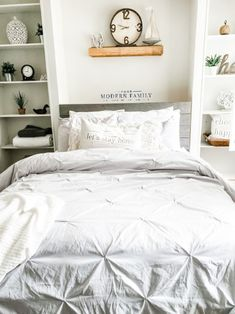 """Get great recommendations on """"murphy bed diy"""". They are actually available for you on our site. Murphy Bed Kits, Build A Murphy Bed, Queen Murphy Bed, Murphy Bed Plans, Murphy Beds, Queen Bedroom, Cozy Bedroom, Bedroom Ideas, Bedroom Decor"""
