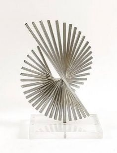 'Generatriz 6' by Andreu Alfaro.