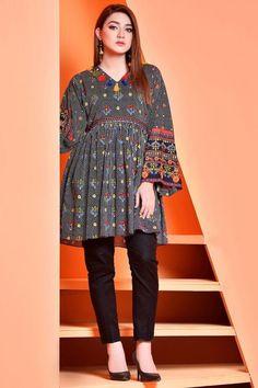 Pakistani Fashion Party Wear, Indian Fashion Dresses, Indian Designer Outfits, Girls Fashion Clothes, Girl Fashion, Fancy Dress Design, Girls Frock Design, Stylish Dress Designs, Beautiful Pakistani Dresses