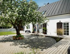 Home Focus, Family House Plans, Interior Windows, Swedish House, Scandinavian Home, Outdoor Spaces, Outdoor Decor, Architecture, Exterior Design
