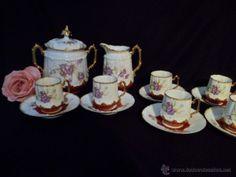 Fantástico juego en porcelana Limoges s XIX violetas, detalles al oro. Juego de merienda o café