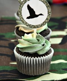 Duck Dynasty Birthday Party ideas, cupcakes, and printables!