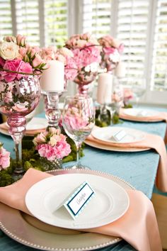 Peach, teal colors for table settings? I like the combo